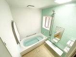 バスルームリフォーム年中快適な掃除がしやすいバスルームと、おしゃれな洗面所