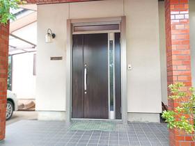 エクステリアリフォーム冬場の寒さを軽減する、断熱性能に優れた玄関ドア